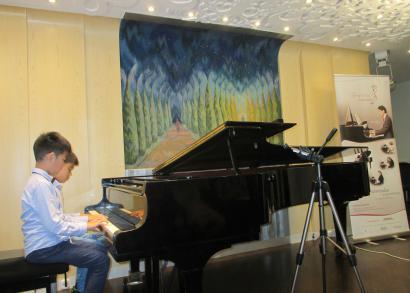 5. HANGRÓZSA - William Ma és Jeffrey Ran