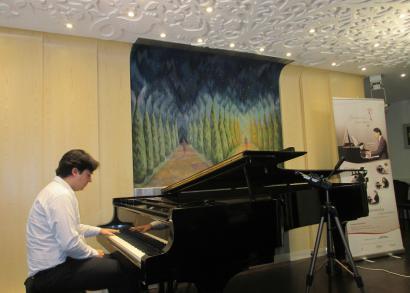 5. HANGRÓZSA - Balázs János zongoraművész
