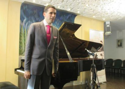 6. HANGRÓZSA - Juhász Balázs zongoratanár